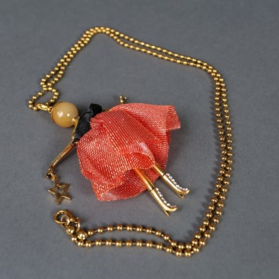 Doll necklace Amber