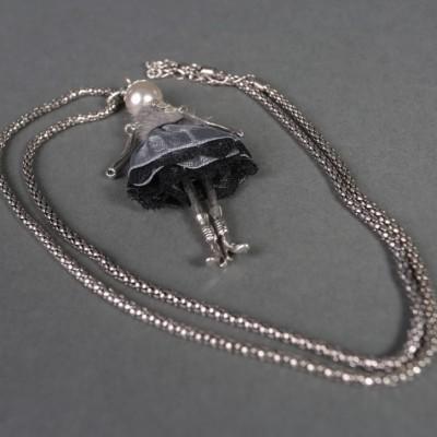 Doll necklace Harriet