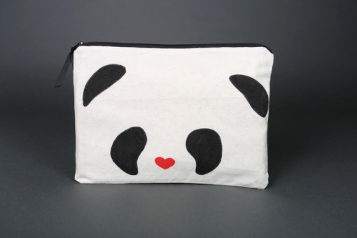 Pandaface (heart nose) zipper bag